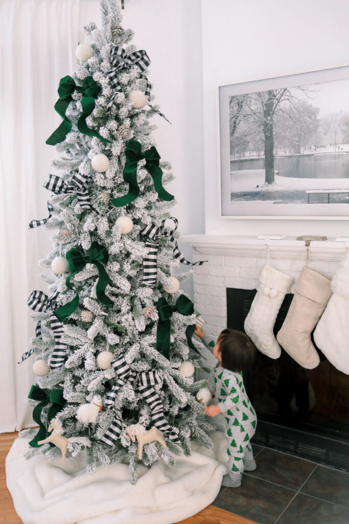 POLLYANNA GUIDE TO DECORATING CHRISTMAS TREE trims